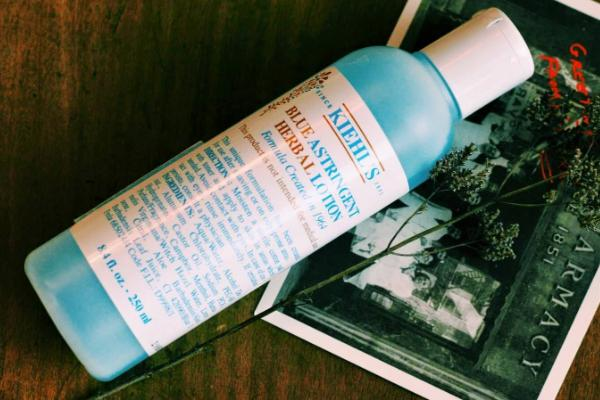 toner kiehls blue astringent herbal lotion cho da dầu