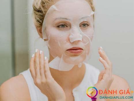 """Liệu rằng """"đắp mặt nạ xong có nên rửa mặt lại hay không"""" ?"""
