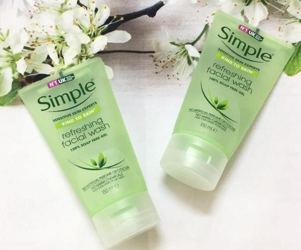 sữa rửa mặt Simple Kind To Skin Refreshing Facial Wash Gel (150ml/120K)