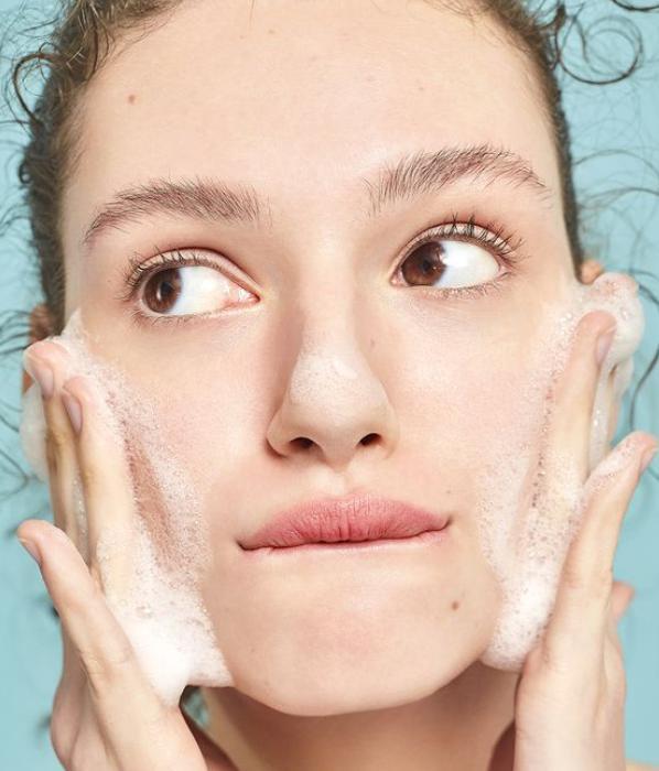 cách chọn sữa rửa mặt cho da hỗn hợp thiên dầu