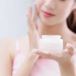 Kem dưỡng ẩm và những lưu ý để dùng kem dưỡng ẩm da mặt hiệu quả