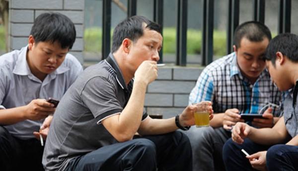 hút thuốc lá nơi công cộng