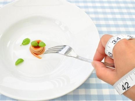 Tại sao ăn ít vẫn tăng cân? Bật mí mẹo khắc phục đơn giản